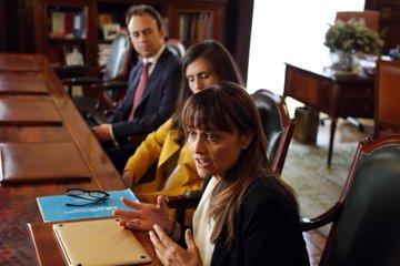 La presidenta de #HumanizandoLaJusticia presenta el proyecto de la Fundación ala Fiscalía