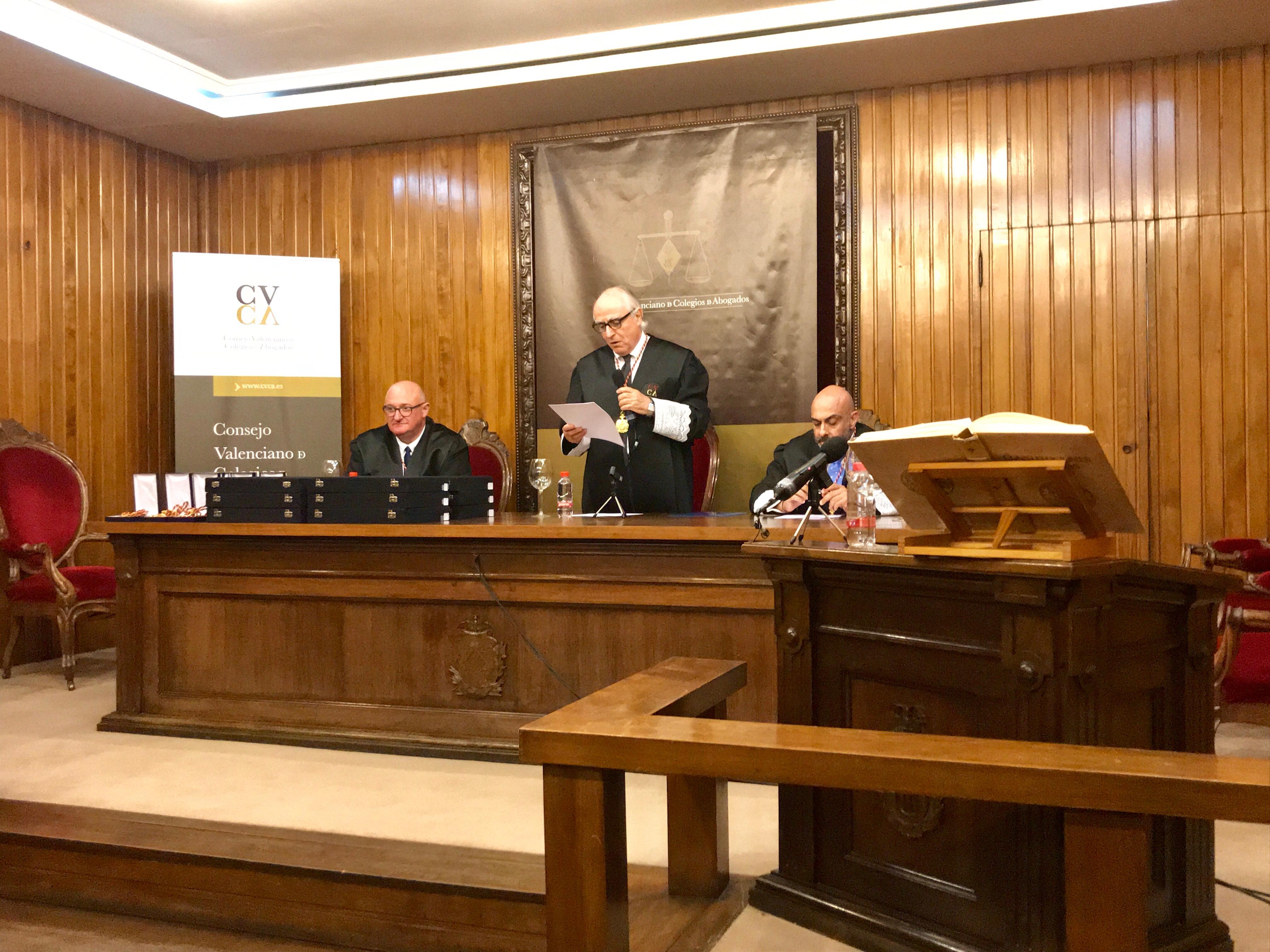 Toma de posesión de los nuevos consejeros del Consejo Valenciano de Colegios de Abogados