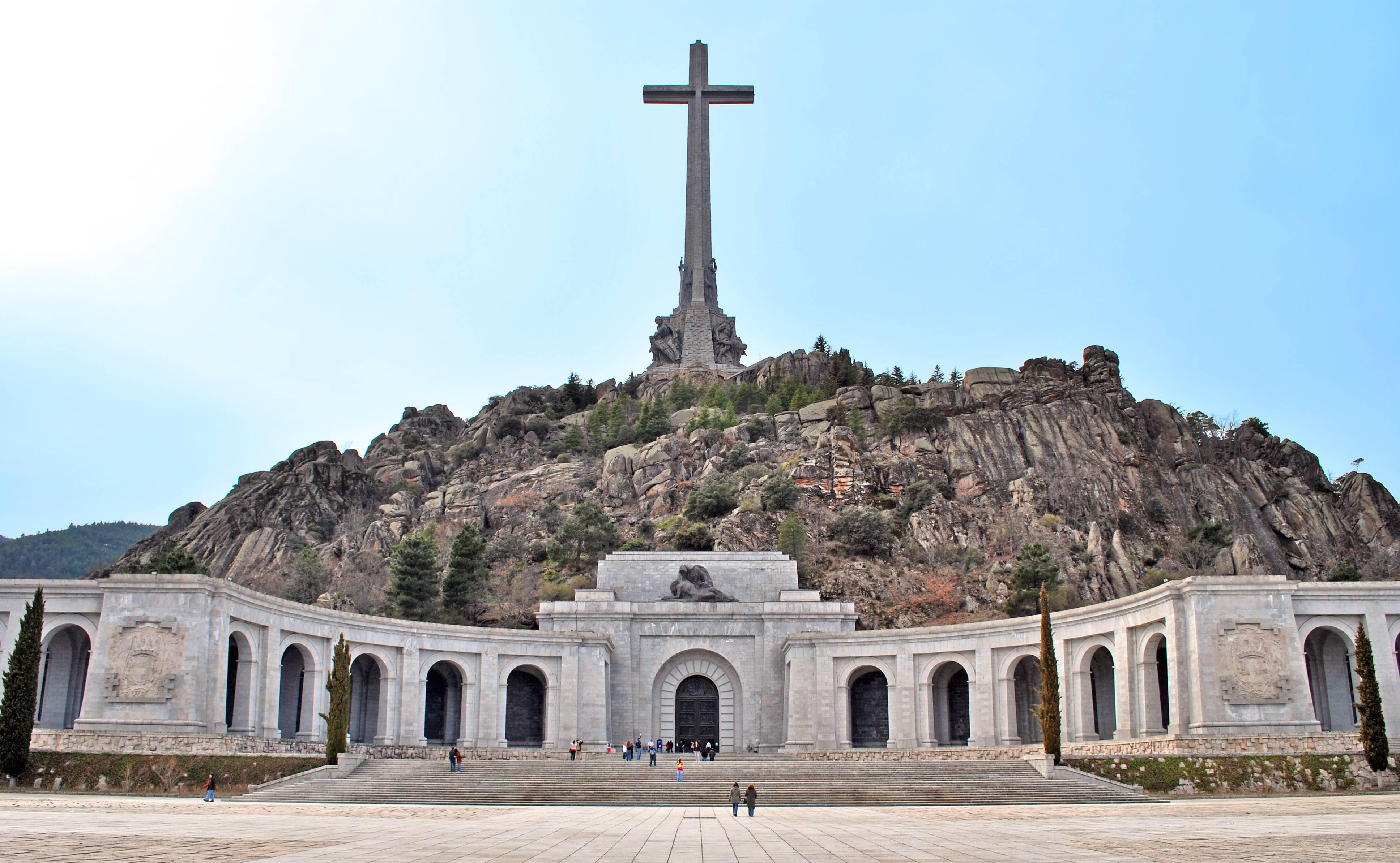 Valle_de_los_Caídos_San_Lorenzo_de_El_Escorial_02