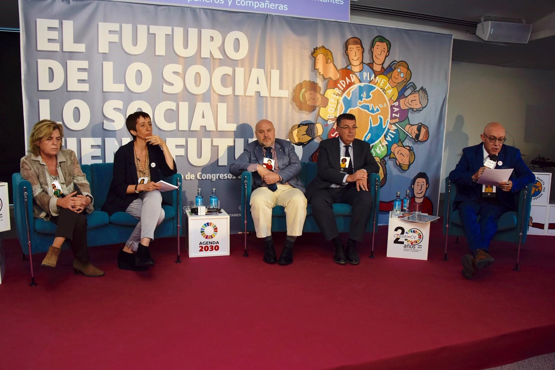 """""""Los derechos sociales son derechos humanos, pues están conectados con la libertad y la igualdad"""" Fernández de la Vega"""