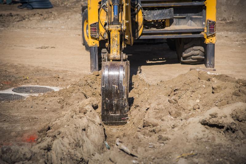 El Tribunal Supremo avala la ordenanza de Andratx (Mallorca) que prohíbe el uso de máquinas de construcción durante los meses de verano por exceso de ruido. #CompartirConocimiento