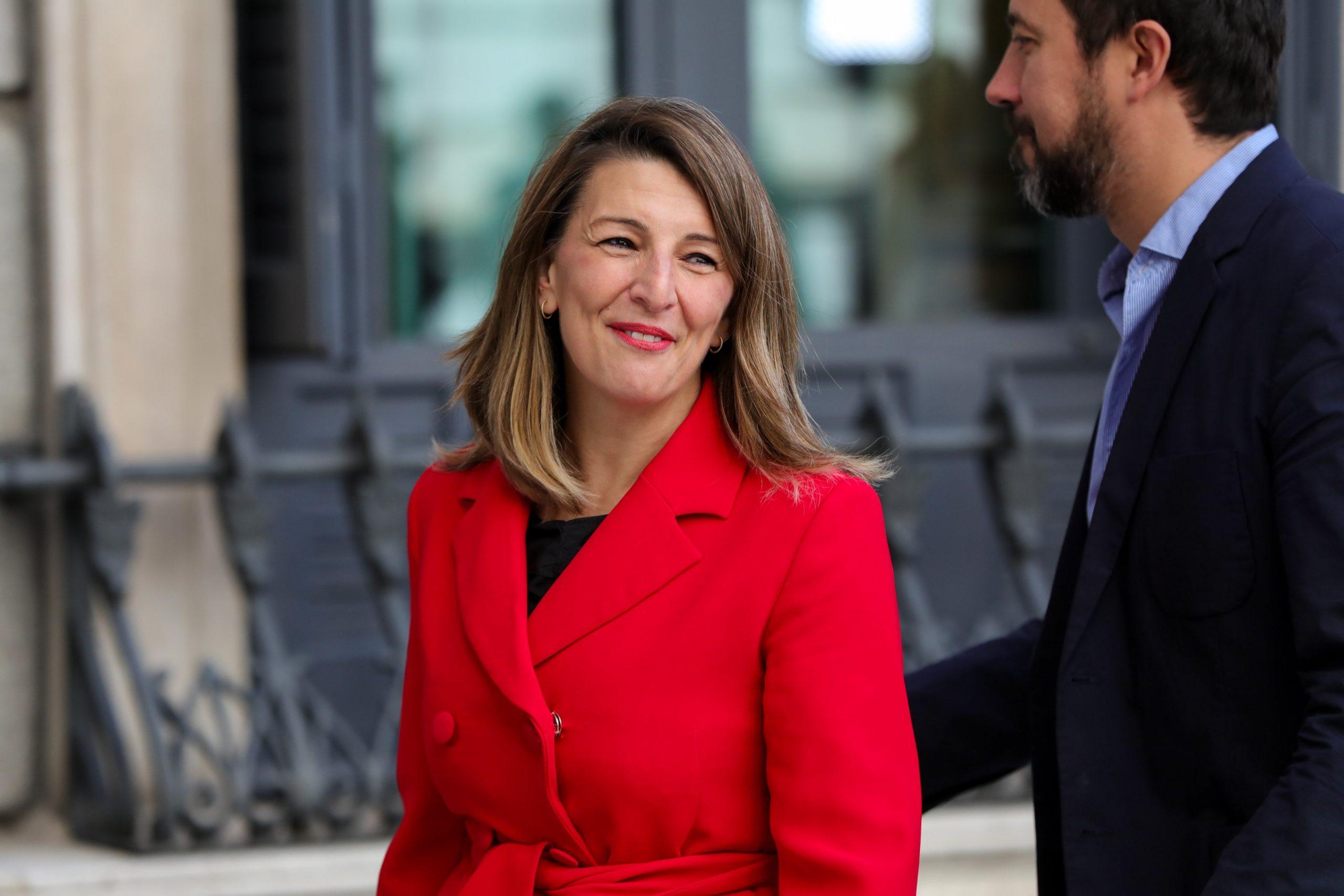 La ministra de trabajo propone extender los ERTE a septiembre con menos exenciones.