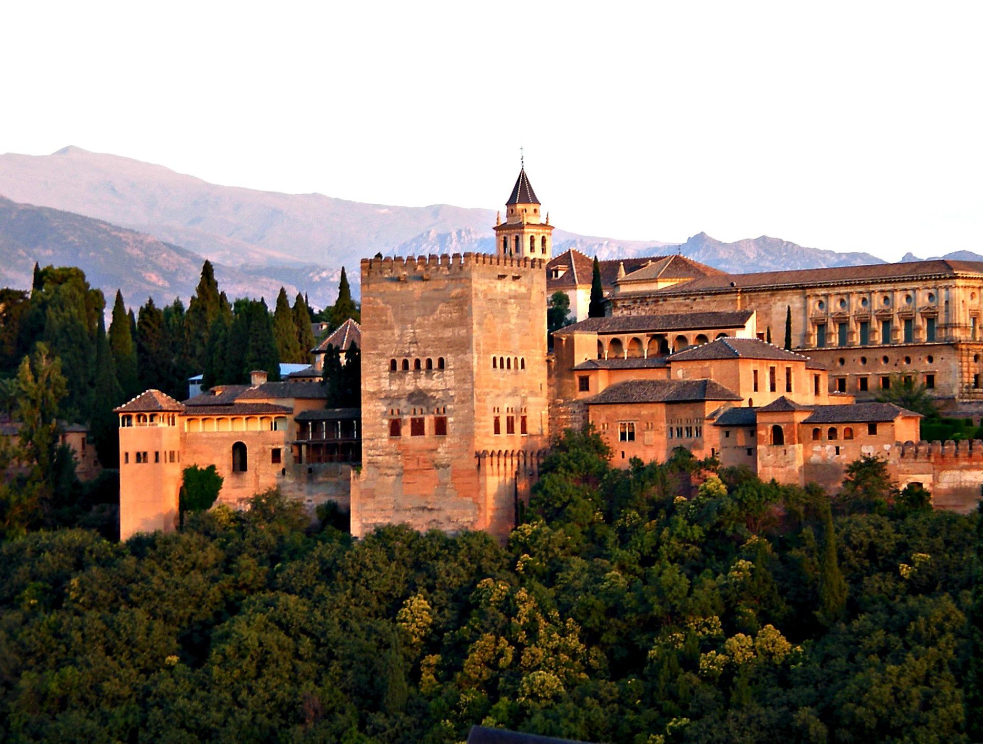 El TSJA declara nula la normativa de visitas de la Alhambra de 2016 por carecer del procedimiento legal para su elaboración