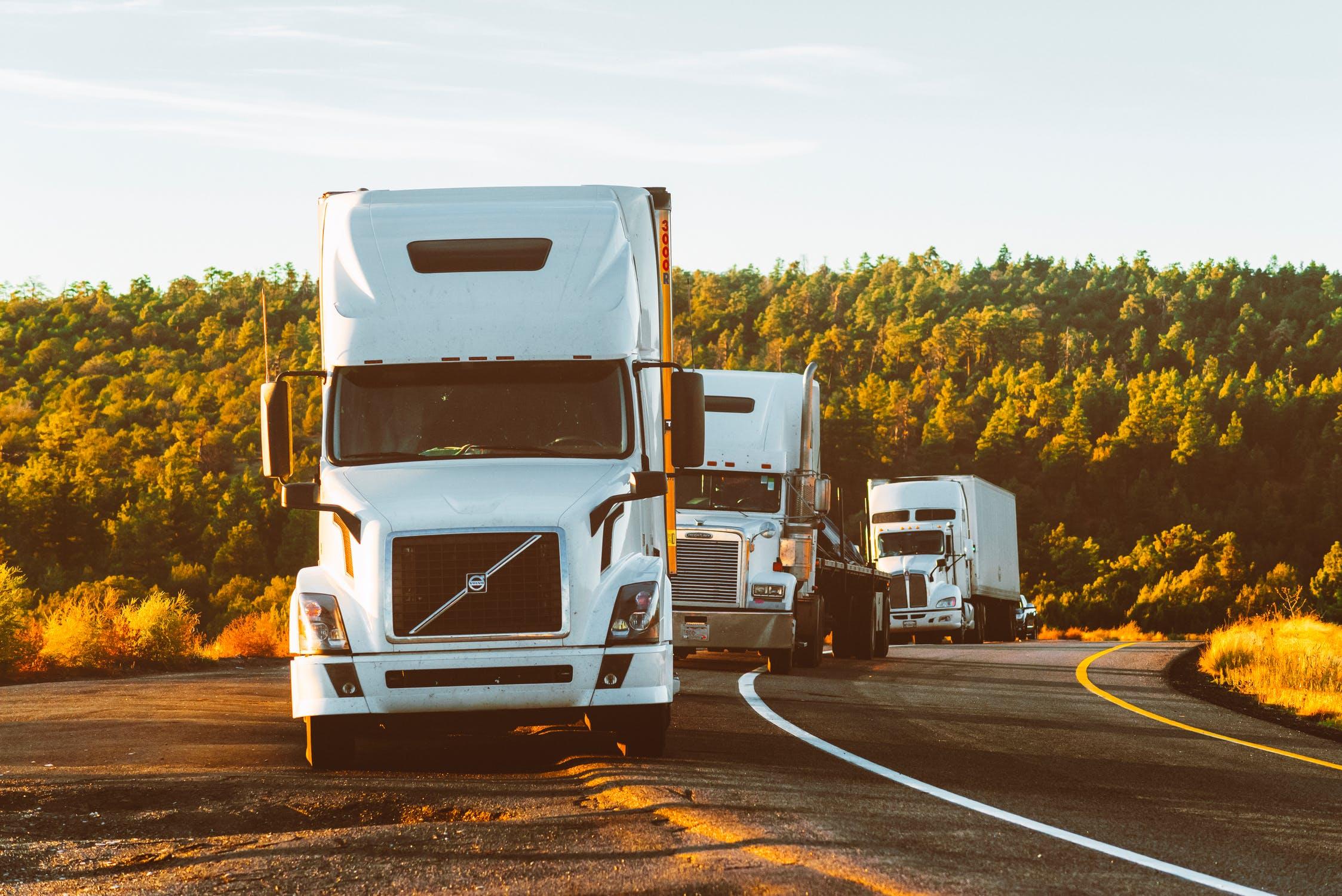 Cómo colocar de manera adecuada la carga en una camión