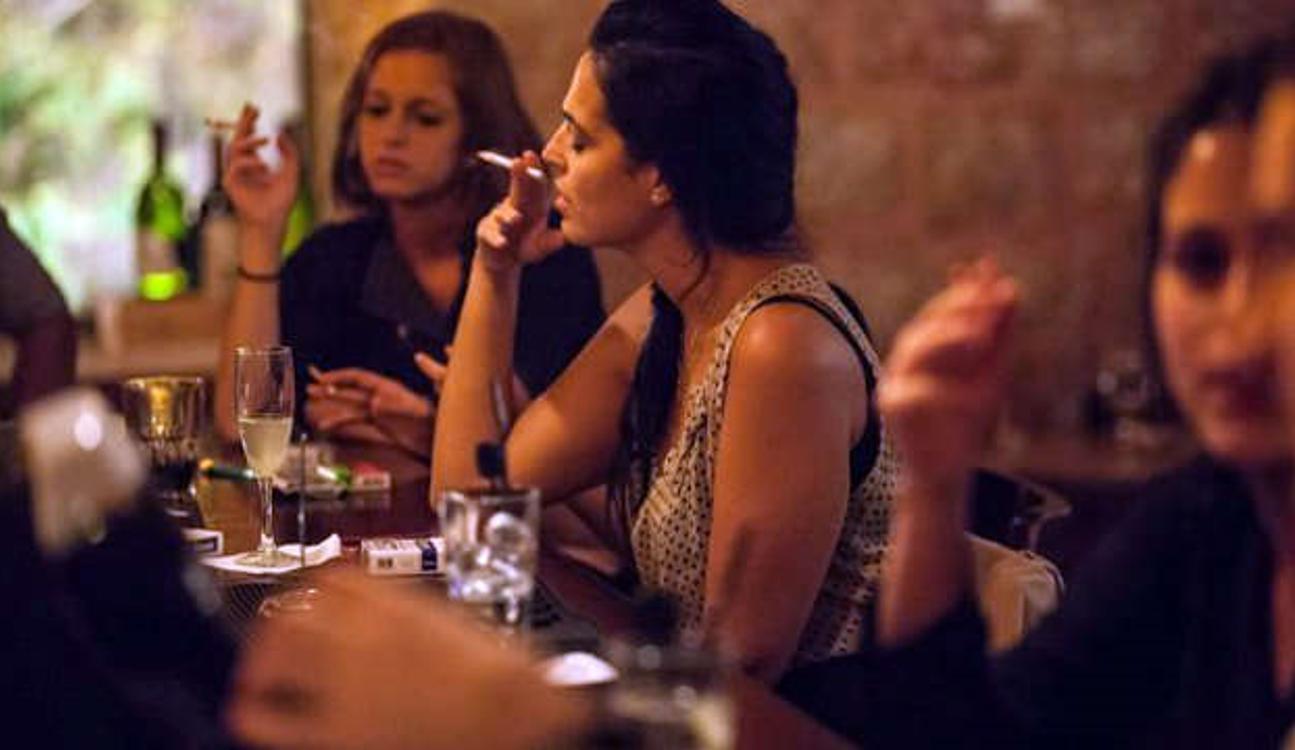 El TSJ de Navarra no aprueba la prohibición de fumar en las terrazas de bares y restaurantes