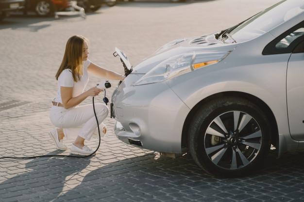 Cómo instalar un punto de recarga de mi coche eléctrico en un garaje comunitario