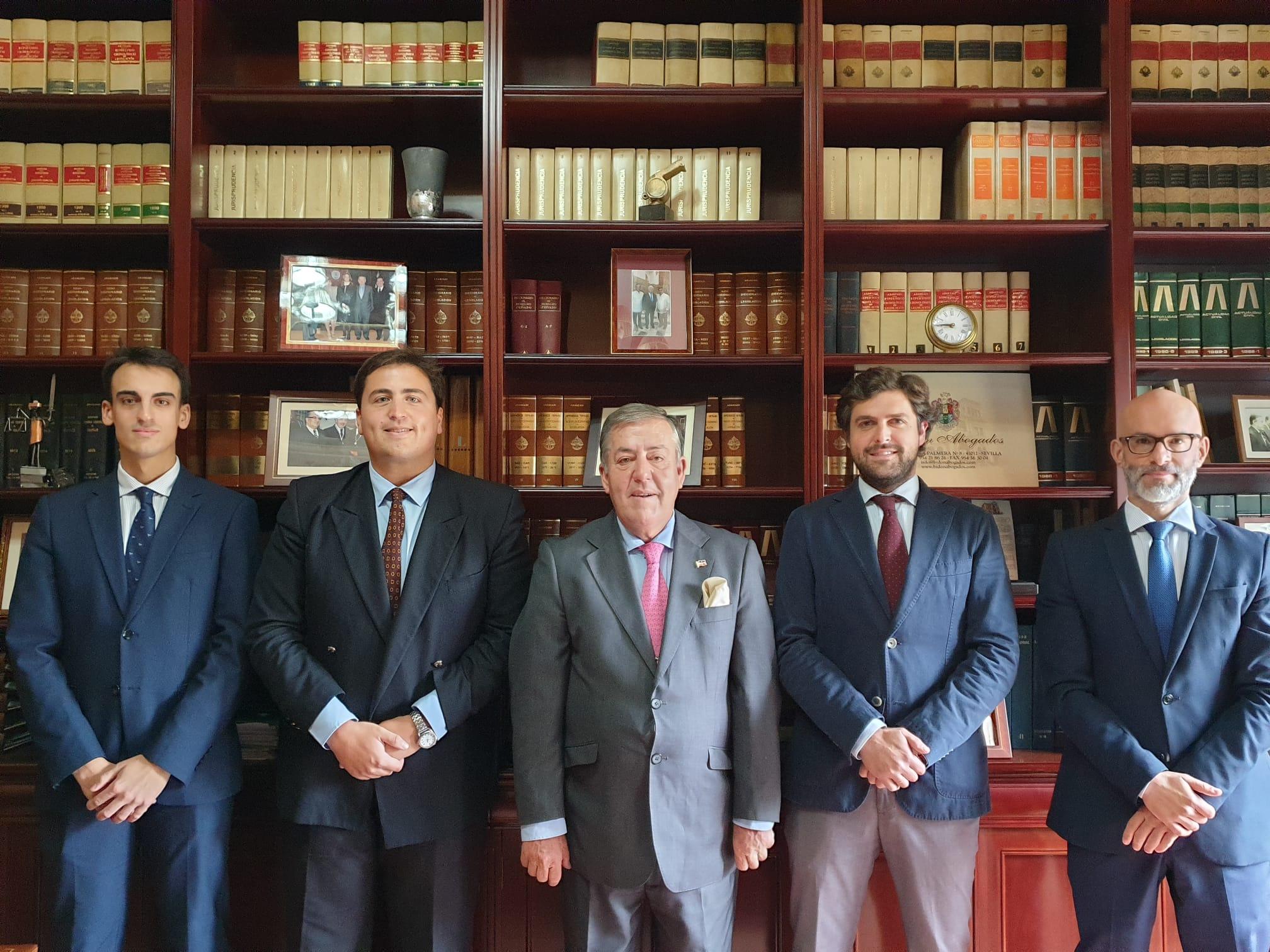 De izquierda a derecha: Manuel Morales Toro; Pablo Armijo Bidón; José Ignacio Bidón y Vigil de Quiñones; Fernando García Neble Rubín de Celis; David Ramírez González.