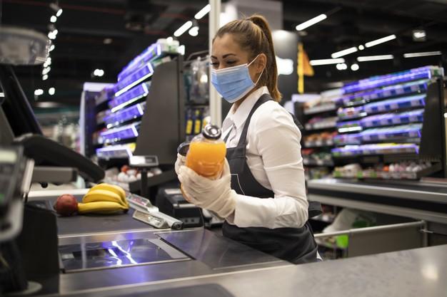 Los empleados de supermercados no son considerados trabajadores de riesgo frente al Covid-19