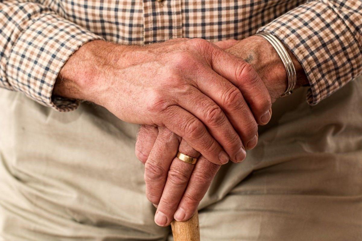 Pena de prisión para un hombre que cobró durante 16 años la pensión de su abuelo fallecido