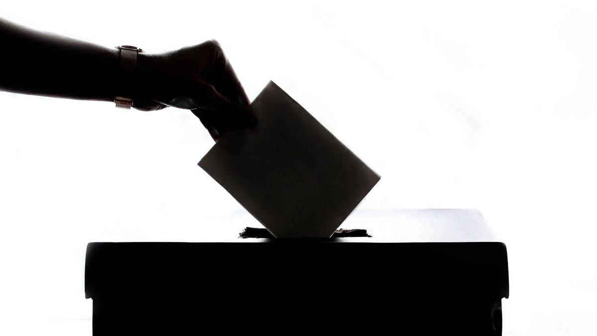 ¿Se pueden convocar elecciones en Madrid a pesar de haber presentado una moción de censura?