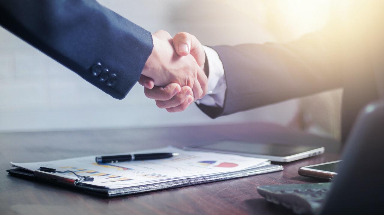 Acuerdo entre el Colegio de Abogados de Málaga y el CEM