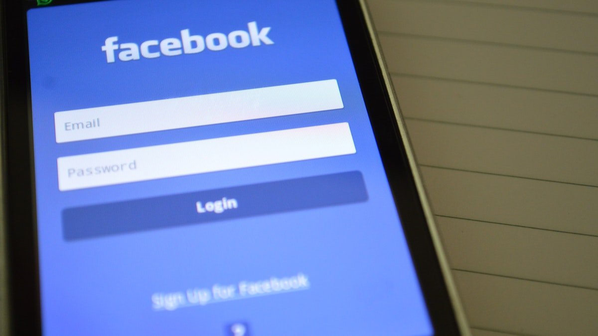 Vulneración de la protección de datos a los usuarios de Facebook