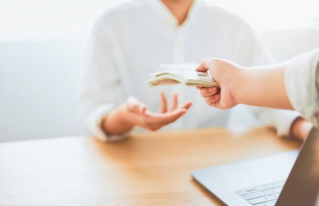 Un despido no extingue la obligación de la empresa de pagar los salarios adeudados